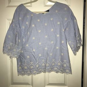 BLUE/WHITE SCALLOPED BLOUSE (size M)